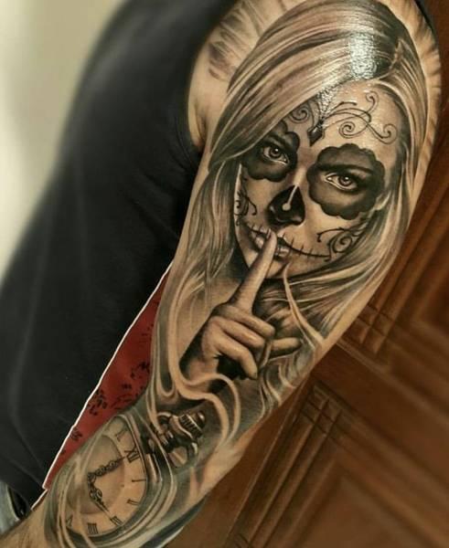 tatouage noeud tete de mort